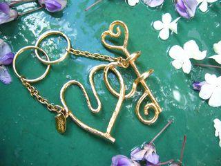 coffret-saint-valentin-lolita-lempicka-menottes-pour-amoureux-design-michel-charrier-pour-lolita-lempicka-parfums-saint-valentin-