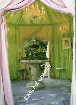 lancement-premier-parfum-lolita-lempicka-gloriette-création-michel-charrier-parfums-lolita-lempicka-lancement-parfum-art-du-jardin-intérieur-féérique-