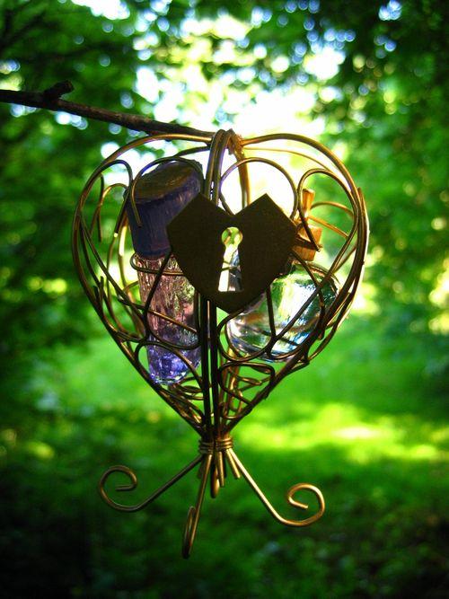 coffret-eau-de-parfum-gift-saint-Valentin-Amour-en-cage-Lolita-Lempicka-1er-parfum-par-Michel-Charrier