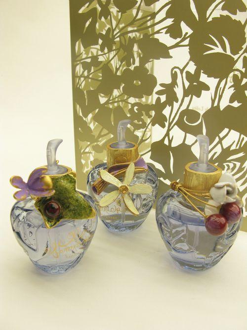 coffret-eau-de-parfum-bijoux-broches-coffret-frise-végétale-design-michel-charrier-pour-lolita-lempicka-parfums-